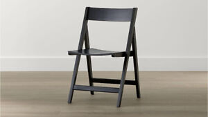 4 Chaises Pliantes / 4 Folding Chairs ( Crate and Barrel)