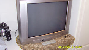"""TOSHIBA COLOR TV 27"""" $30"""