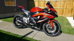 2009 gsxr 600!! Custom!! Loud!! MINT CONDITION! Wrapped 3m
