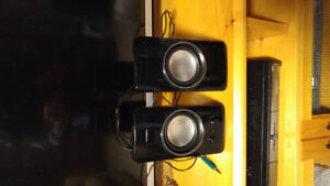 FOR SALE--NEXXTECH COMPUTER SPEAKERS