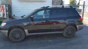 For sale mitsubishi out lander 2006 come with safety and e test Cambridge Kitchener Area image 3
