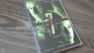THE X-FILES SEASON 7 DVD SET IN MINT CONDITION