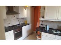 2 bedroom flat in High Street, Colliers Wood, SW19 2BT
