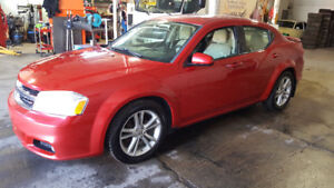 2012 Dodge Avenger SXT negociable