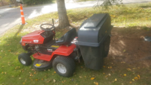MTD RIDE ON MOWER MINT CONDITION  for sale $1300 obo