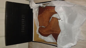 Chelsea boot clogs