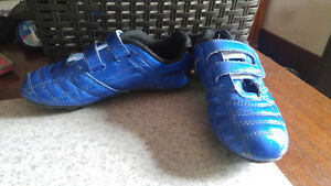 Soccer cleats boy size 1