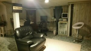 2 room appartment with shared bath room and kitchen Kingston Kingston Area image 1