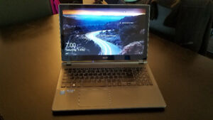 Acer Aspire V7 Ultrabook / i5 / 8Go / SSD / 15.6 Touch screen