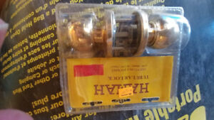 2 keyed lock sets NEW