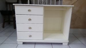 Excellent condition white desk /table