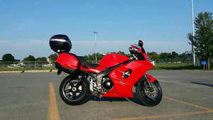 2007 Triumph sprint ST with full hard bags