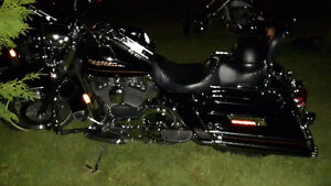 harley-davidson road king  8500$ nég.
