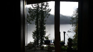 Sproat Lakefront 1br 1ba Furnished Suite Avail now till June 15