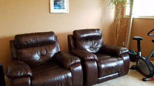 FANTASTIC PAIR of LEATHER RECLINERS