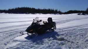 2015 Ski-doo Grand Touring like new. Only 84 km!!!