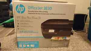 HP OfficeJet 3830 Printer/Scanner - Like New!