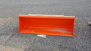 "Kubota L2235A 72"" TractoBucket has skid steer style quick attach"