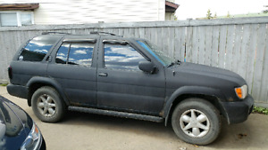 Nissan Pathfinder 2001 for parts