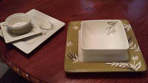 Dishes set Laurie Gates  20-pc  /  Set Vaisselle 20 pieces
