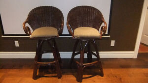 2 wicker tall bar stools swivel chairs in exc cond