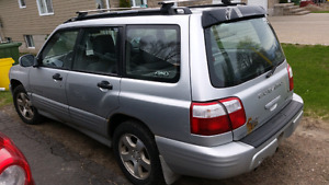 For parts: 2001 Subaru Forester Limited