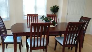 A beautiful dining room set for sale !!!