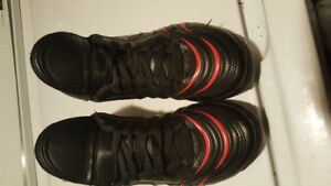 PUMA SOCCER CLEATS MINT CONDITION!!!