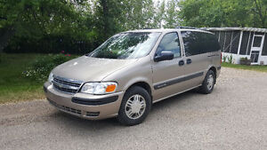 2004 Chev Venture Ext Minivan, Cmd Start, DVD, Low KM's Clean