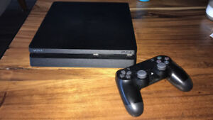 PS 4 Slim 1 TB with internet card