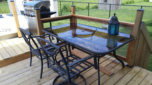 Table patio et 6 chaises