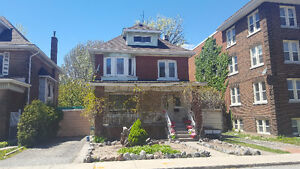 GEORGOUS LARGE 4 HAMILTON HOME w/ apartment in bsmt!