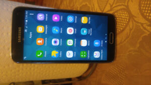 Unlocked and in mint condition samsung galaxy S5