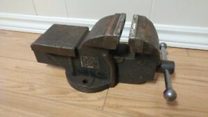 Large Heavy Duty Fixed Bench Vise