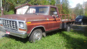 F100, Ford flatbed 1978  drive a classic