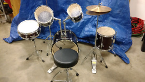 Network 7 piece drum and percussion set