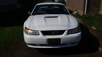2000 Ford Mustang parts or repair 800obo