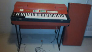 """""""Vintage Red Farfisa combo compact keyboard organ"""" West Island Greater Montréal image 4"""