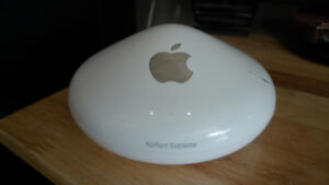 Apple AirPort Extreme Wireless Router Model A1034 & Cord .