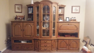 China Cabinate - Entertainment Center with Bar Oak German Made