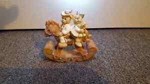 Rabbit figurines and teddy figurines Kitchener / Waterloo Kitchener Area image 5
