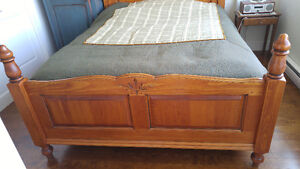 Gorgeous Antique reproduction Bed Downtown-West End Greater Vancouver Area image 2