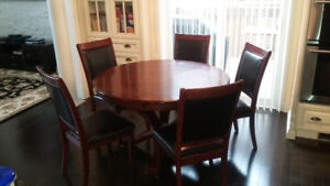 7Pc Beautiful Round Dining Table & 6 Leather Chairs Set