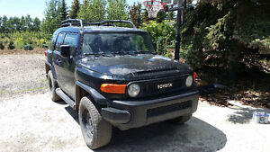 2007 Toyota FJ Cruiser w/ Supercharger/EMS. Fast but needs love