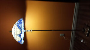 tiffany floor lamp  in 99% new condition Oakville / Halton Region Toronto (GTA) image 1
