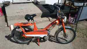 VINTAGE 1970s mobylette pedal start moped