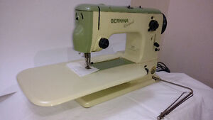 Bernina Record 530 with case and cabinet