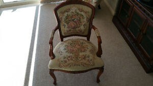 CHAIR, DESIGNER, LIKE NEW COND,
