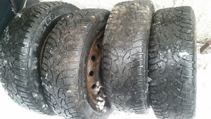 Tires hiver 185/65 r 14