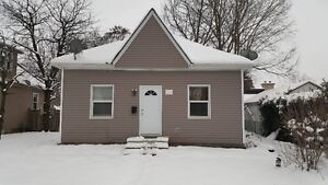 All INCLUSIVE + INTERNET / 4 BEDROOM HOME NEAR UWO & DOWNTOWN!